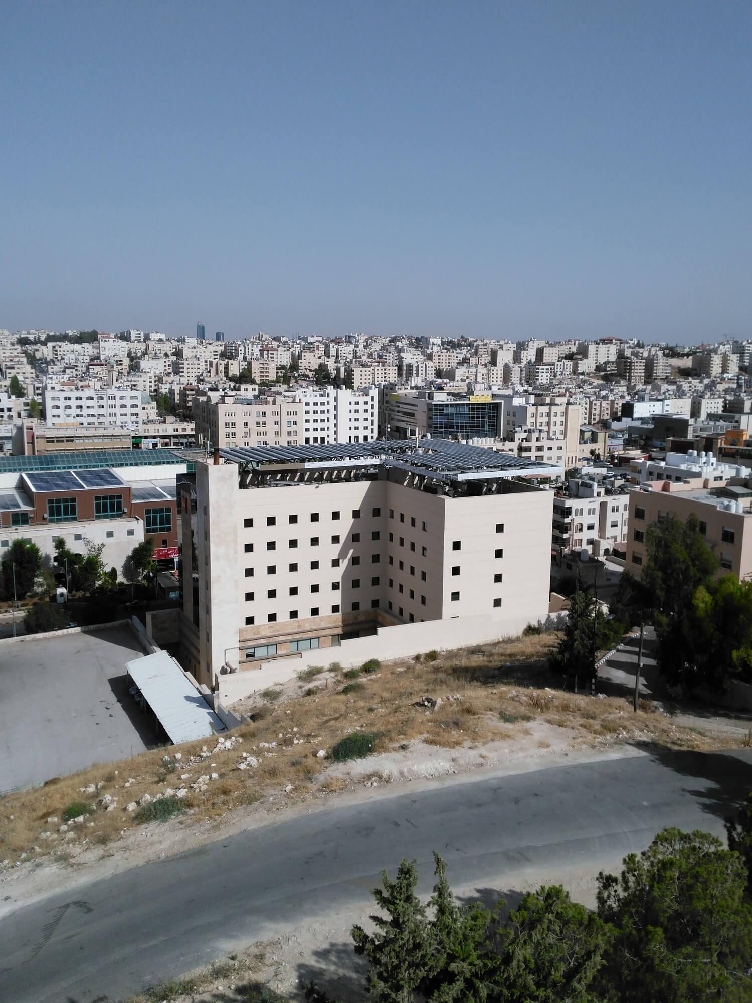 solar-panel-installation-hotel-Ibis-Amman 001