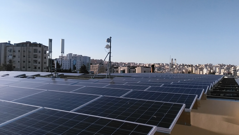 solar-panel-installation-hotel-Ibis-Amman 005