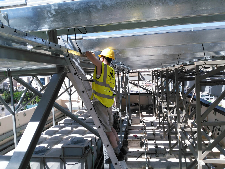 solar-panel-installation-hotel-Ibis-amman-13