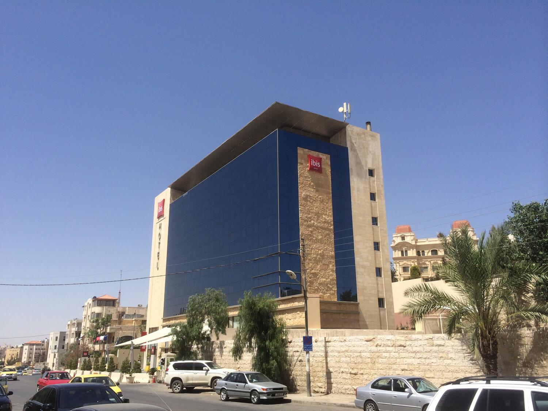 solar-panel-installation-hotel-IbisAmman03